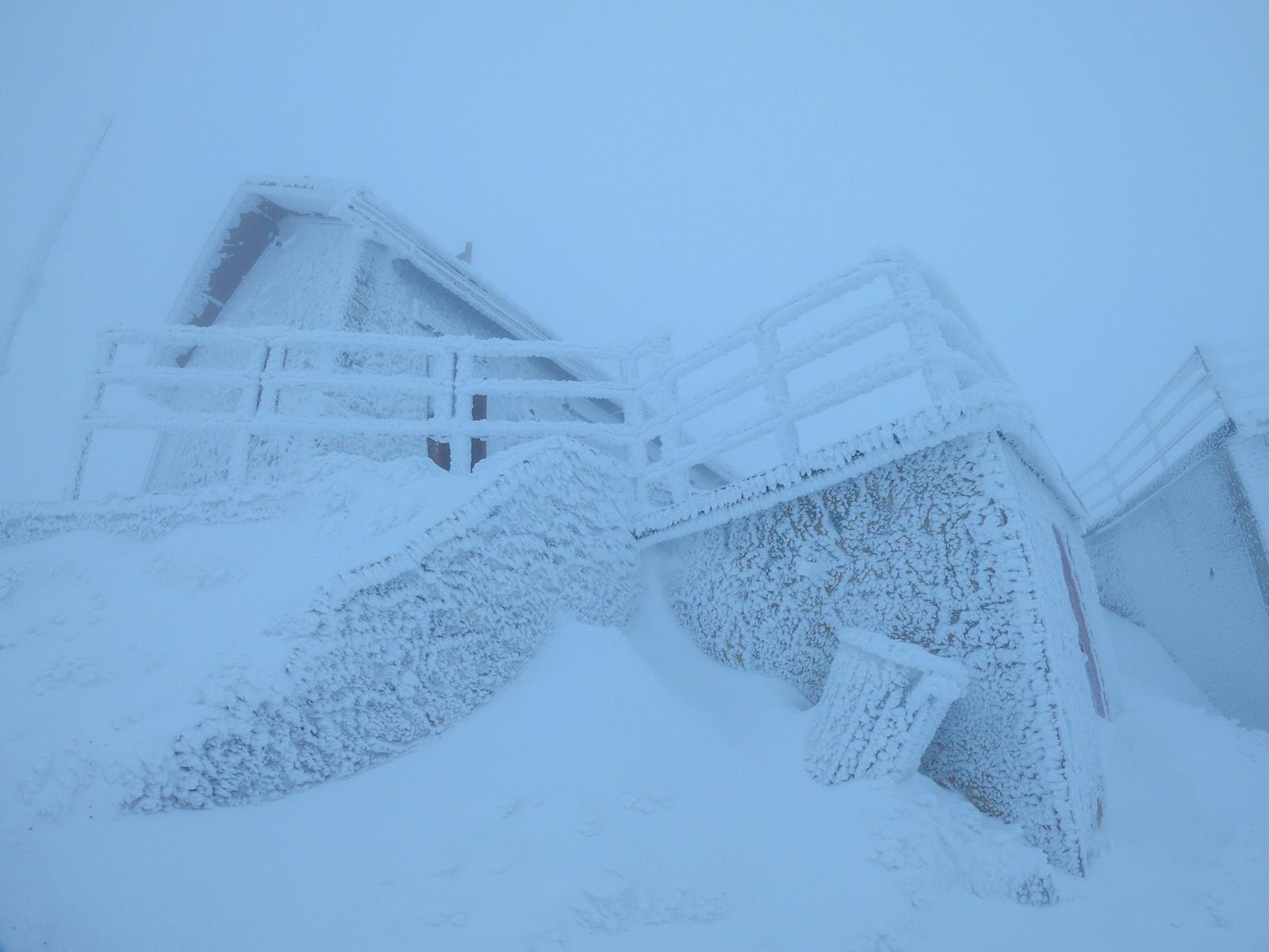 alpinismo invernale vista neve